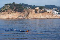 18 Julio 8:45AM - Jordi seguido por Laia pasando delante del Castell de Tossa de Mar